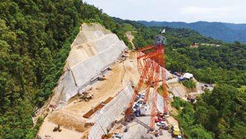 Rodovia dos Tamoios: teleférico auxilia nas complexas obras em trecho de serra preservada