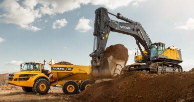 Nova escavadeira da Volvo combina potência e estabilidade