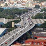Balanço sucessivo e concreto resfriado na duplicação de viaduto